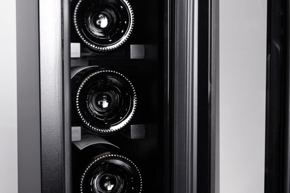 mQuvee inbyggbar svart vinkyl detaljbild