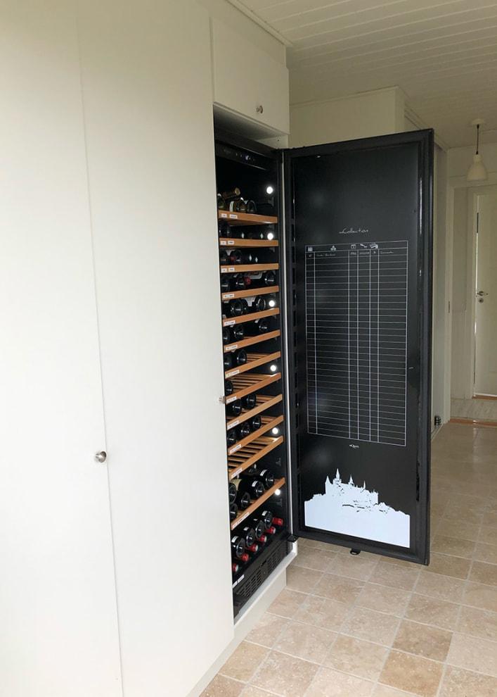 Rejält vinlagringsskåp som kan byggas in
