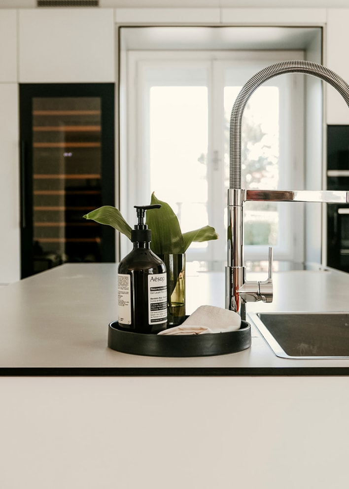Integroitava viinikaappi - WineKeeper 70D Anthracite Black