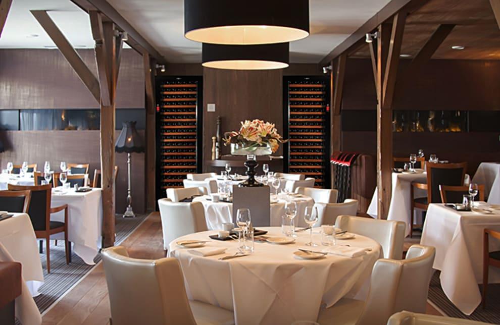 Vinlagringsskåp i elegant restaurang
