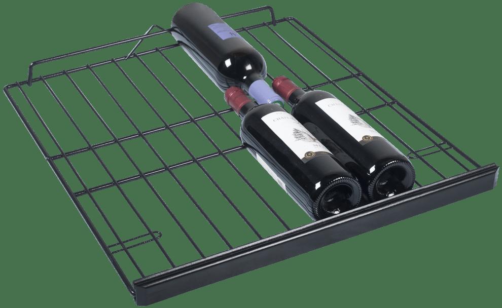 3 vinflaskor på hylla till vinlagringsskåp