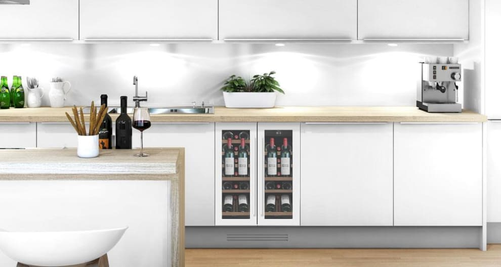 mQuvée Sisäänrakennettava viinikaappi esittelyhyllyllä – WineCave 60D2 Powder White