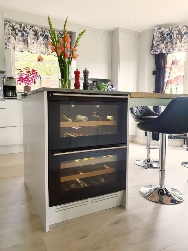 Vinkøleskab til indbygning - WineCave 60DD Fullglass Black