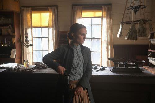 Natalie Portman in Jane Got A Gun