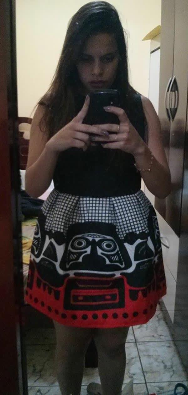 vestido-preto-e-vermelho