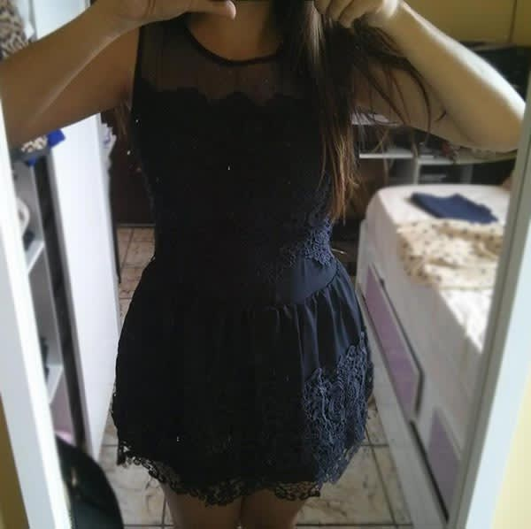 vestido-azul-marinho-renda