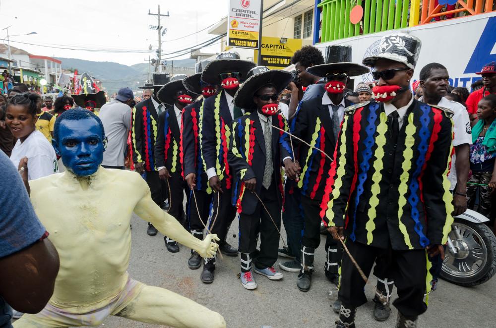 Chaloska troupe