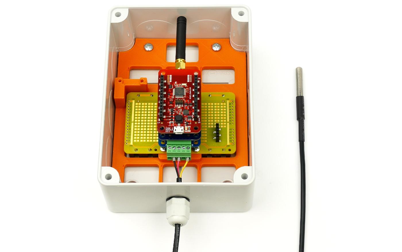 obrázek: teplotní senzor, přesně takový monitoruje teplotu motorů osazovací linky