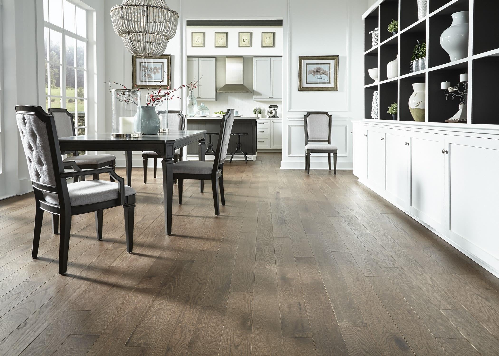 Bellawood Pelham Oak Distressed Solid Hardwood