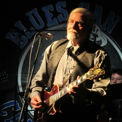 Photo of Lou Rye plays rockin' blues and rythmic Latino