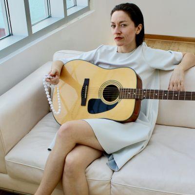 Photo of Ellen Adams