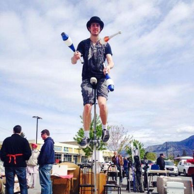 Photo of Amazing  juggler and unicyclist