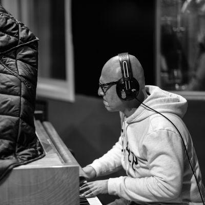 Photo of Esteban Herrera Music
