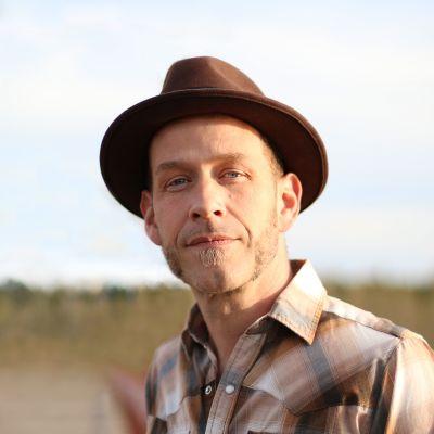 Photo of Scott Cook