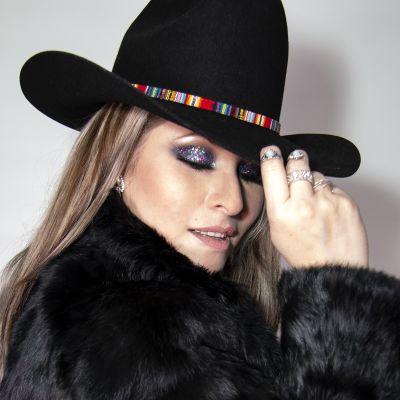 Photo of PALOMA NEGRA