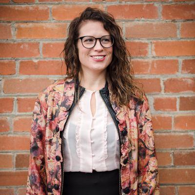 Photo of Natalie Inga