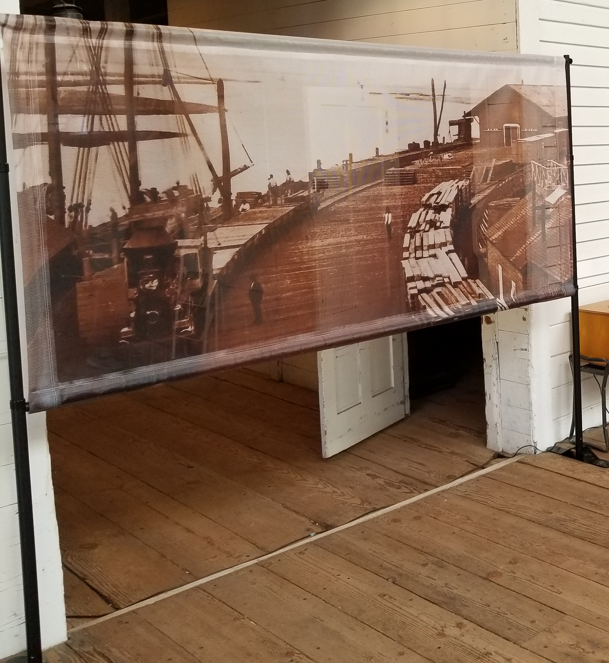 Best Easy Set Up Display for Museums