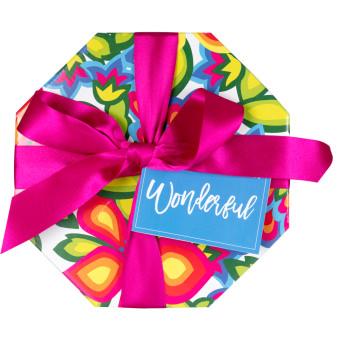 wonderful caja de regalo forma sombrerera con flores y lazo de color rosa