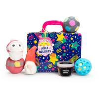 Jolly holidays é um dos presentes de natal da Lush em forma de lancheira com 5 produtos de banho para fazer desaparecer o mau humor