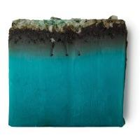 Sabonete Sea Vegetable azul verde rico em sais minerais para suavizar a pele.
