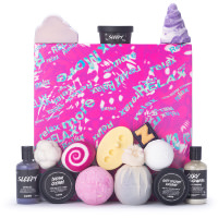 relax more caixa de presente cor de rosa cheia de produtos de banho e duche