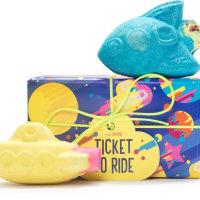 ticket to ride caja de regalo con dos bombas de baño en forma de cohete espacial y submarino
