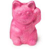 Uma bomba de banho rosa em forma de um gato acenando de Ylang Ylang e Jasmim