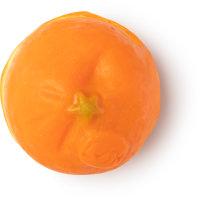 Eine orange Seife in der Form einer Mandarine