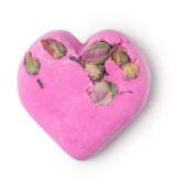Rózsaszín, szív alakú fürdőbomba