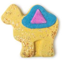 chris the camel é umas das bombas de banho exclusivas de natal em forma de camelo amarelo