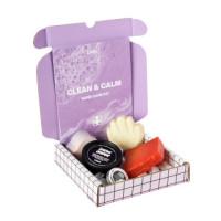Offene Box mit dem Inhalt des Clean & Calm Handpflege-Sets