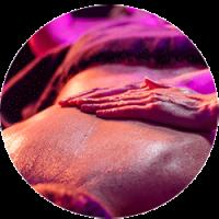 Karma tratamiento spa Madrid de 65 minutos masaje de cuerpo entero a doble manos, inspirado en las prácticas ayurvédicas de la India