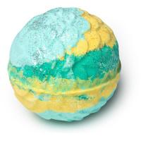 Melusine é uma das bombas para o banho vegan dignas de uma sereia com aroma citrico