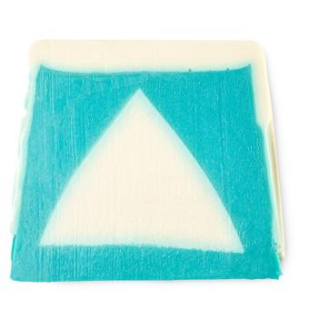 un jabón de Navidad de color azul y blanco