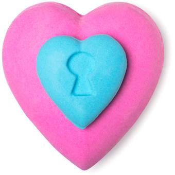 love locket bomba de baño de color azul y rosa en forma de corazón