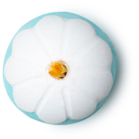 chamomile flower bomba de baño de color azul y blanco con camomila primavera 2019
