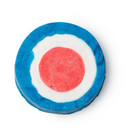 Ein rundes, blau, weiß, rotes Schaumbad