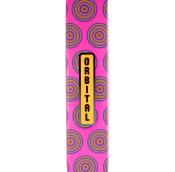 Eine rosane, eckige Tube, mit gelben Dekorationen und Gelbem Label