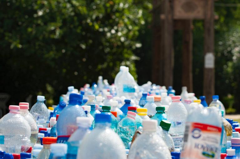 #natürlichEuropa: FAQs zur Europawahl 2019, Bild: Plastikflaschen