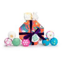 Confezione regalo di Natale Christmas Bathtime Favourites e il suo contenuto