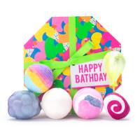 La caja de regalo Happy Bathday con porductos para todos los amantes de un buen baño