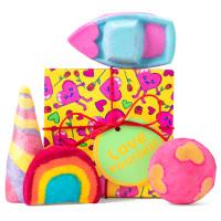 caja de regalo con productos para tomar un baño relajante