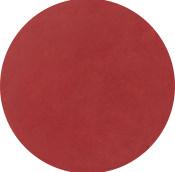 Labios con el pintalabios vegano con tono rojo manzana caramelizada acabado brillante cruelty-free de larga duracion dubai