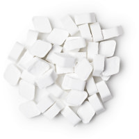 cool enjuage bucal en pastillas de color blanco