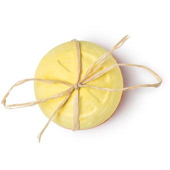 Fruity Giant Bomb Shell é uma bomba de banho nova com verdadeiras rodelas de laranja