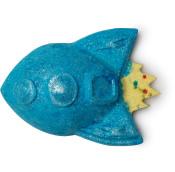 Diese kleine Rakete ist der perfekte Badezusatz für alle Abenteurer. Sie sprudelt durch deine Wanne und belebt mit dm Duft von Zitrusfrüchten