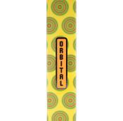 Ein rechteckiges, hohes Geschenk aus gelbem Karton