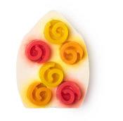 Rosebud, weiße Seife mit palmölfreier Basis und mit 3D Desighn in rot und orange gedruckt.