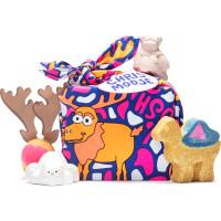 Bombas de baño en forma de osos, reno y camellos envueltos en una tela reutilzable con renos