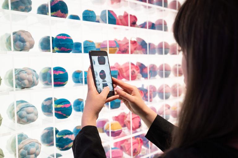 LUSH 新宿店 Lush Labs アプリで新しい買い物の体験を